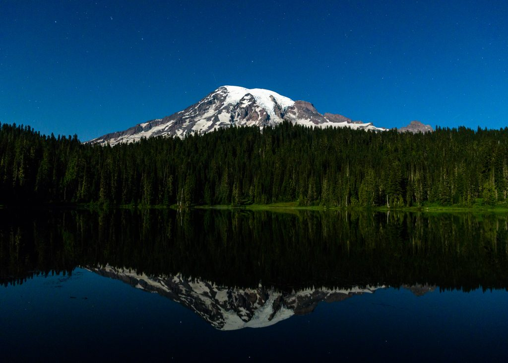 Moonrise, moonset and Mars: Photos hit the high points at Mount Rainier