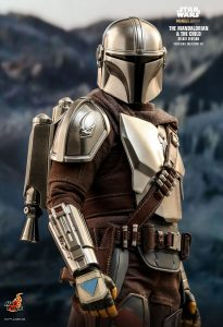 NEW PRODUCT: HOT TOYS: THE MANDALORIAN THE MANDALORIAN AND THE CHILD 1/6TH SCALE COLLECTIBLE SET