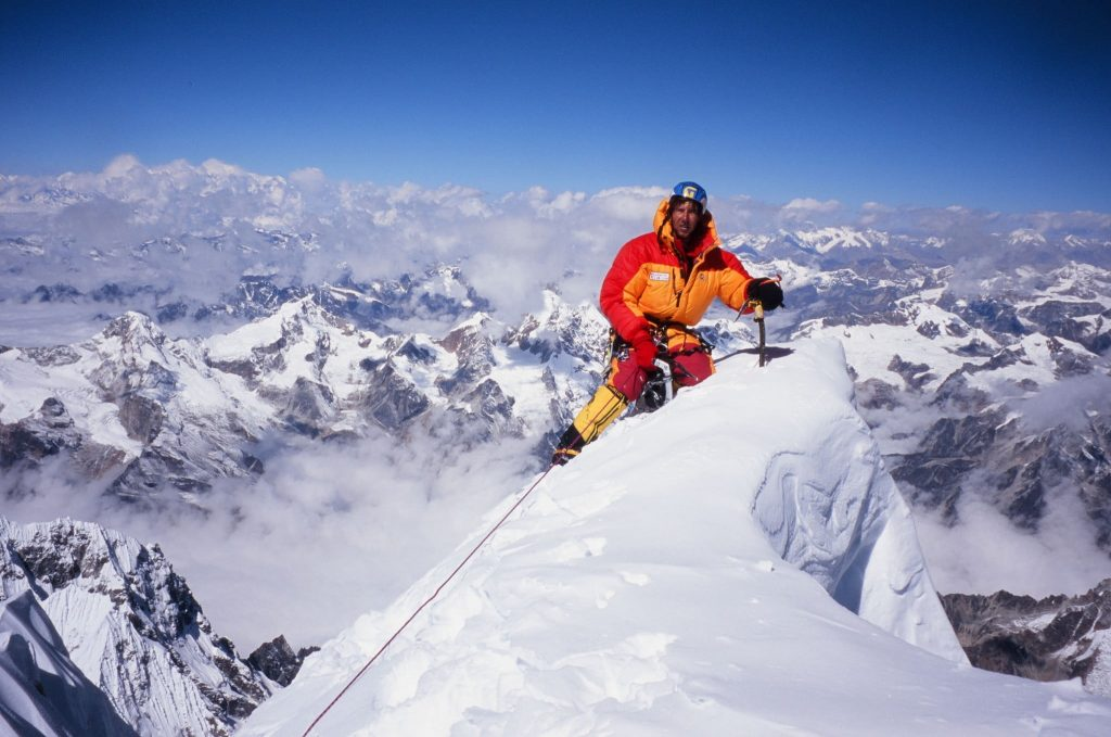 How To Remove Dead Bodies From Mount Everest?