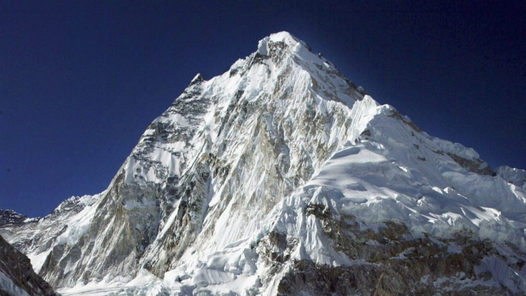 Nepal felicitates first Indian to climb Mount Everest a record six times - Firstpost