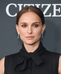 Hollywood's Most Popular Actresses  Fashion Gone Rogue