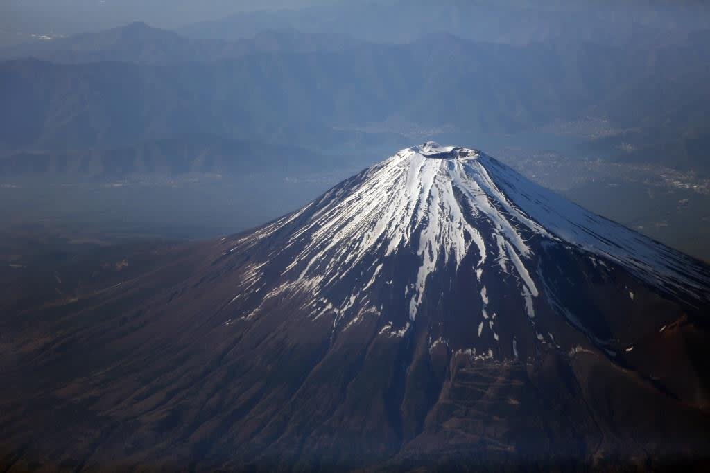 Volunteer scientists keep Mount Fuji buzzing with research - Nikkei Asian Review