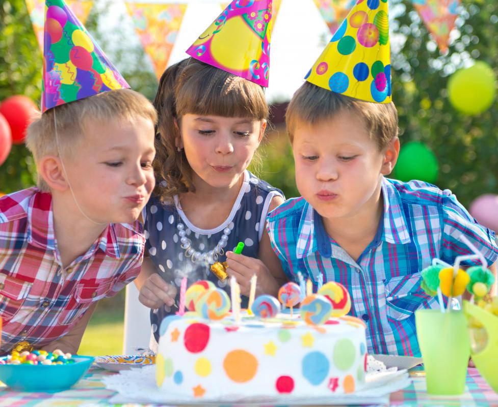 How can I Prepare to Host a Birthday Party? (with pictures)