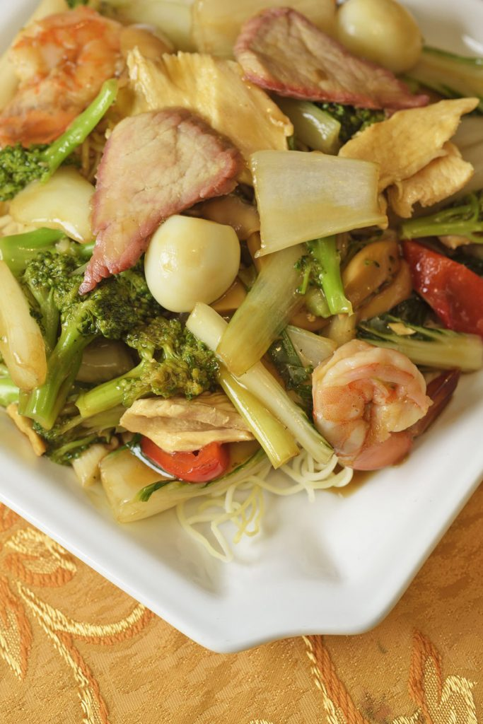 Chinese Food in Peru - A Guide To Delicious Fusion Cuisine - Eat Peru